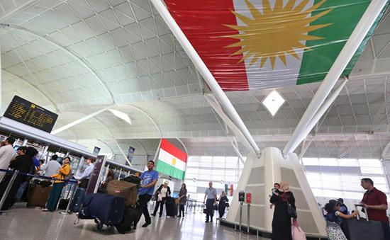 Irak: Bagdad annonce la levée du blocus aérien du Kurdistan.