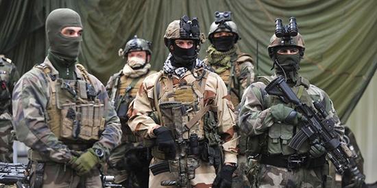 L'armée française envisage une action de déminage des accès du port