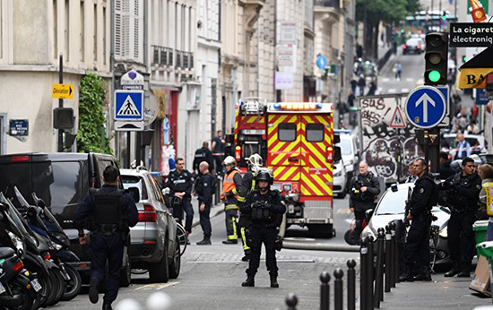 Prise d'otages à Paris: l'auteur interpellé, les otages sains et saufs