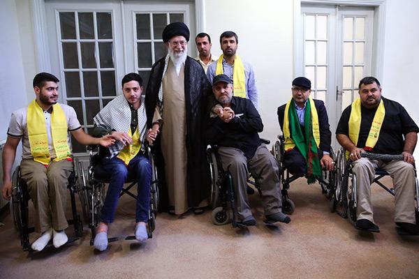 Sayed Khamenei reçoit un groupe d'anciens combattants blessés du Hezbollah