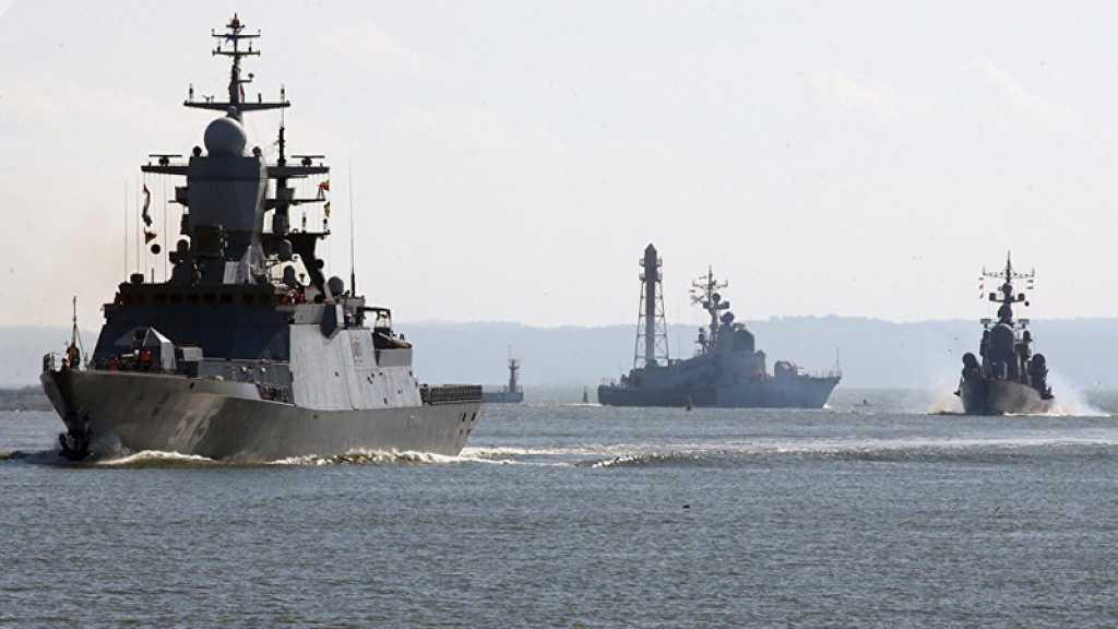 La Marine russe escorte deux destroyers américains en mer Baltique