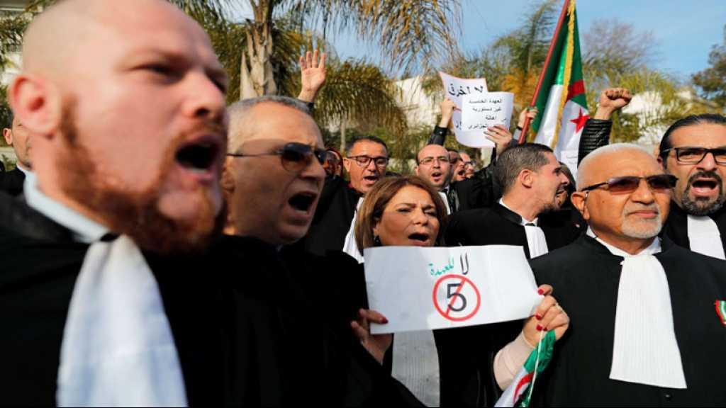 Algérie: un millier de juges dénoncent la candidature de Bouteflika