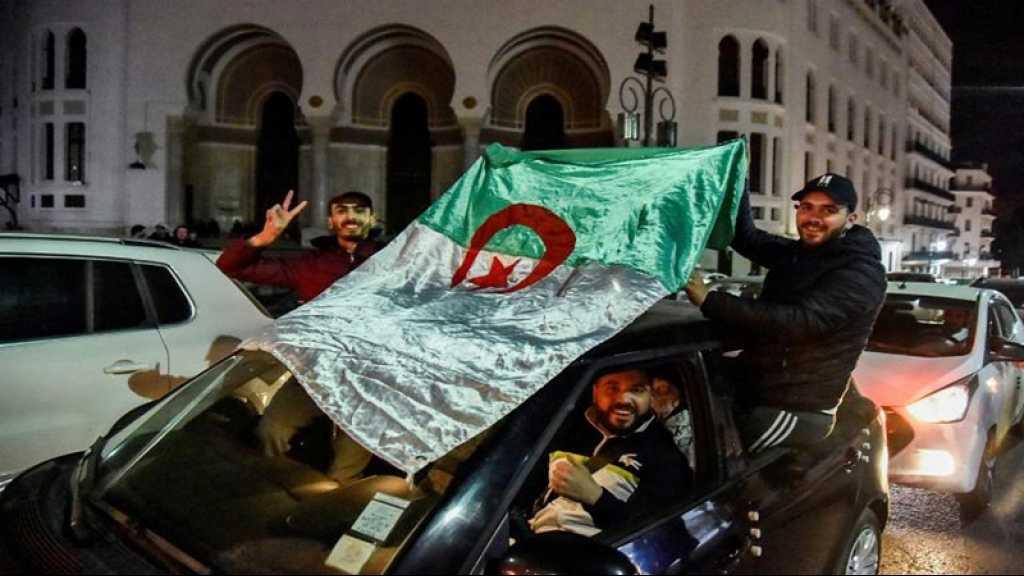 Algérie: Bouteflika renonce à un 5e mandat, la présidentielle reportée