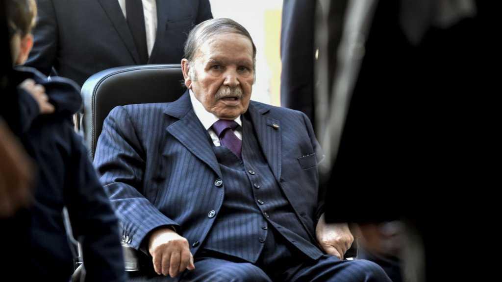 Algérie: le président Abdelaziz Bouteflika a officiellement remis sa démission