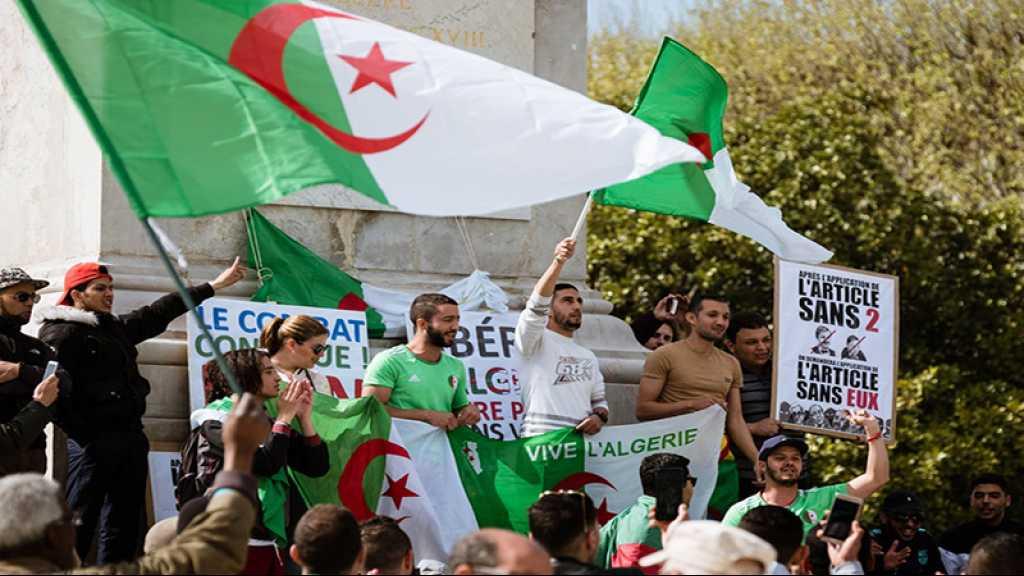 Les Algériens manifestent malgré la démission de Bouteflika