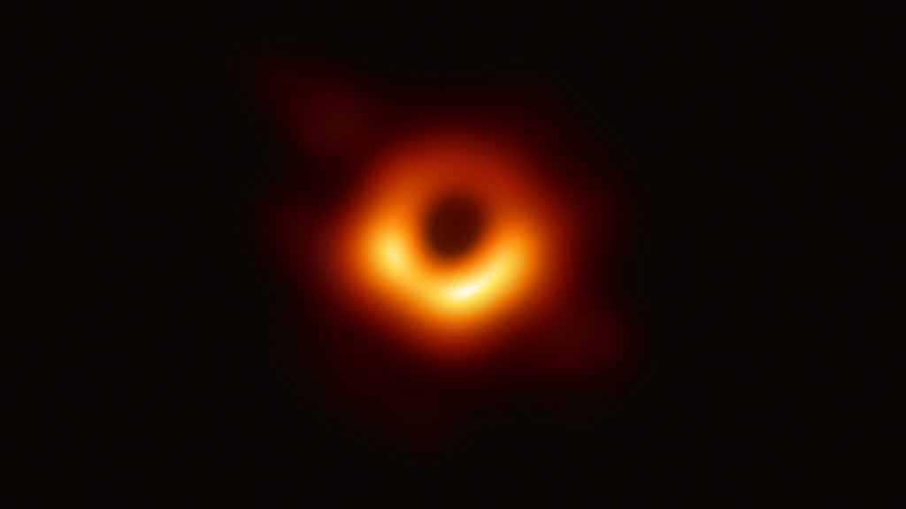 La première véritable image d'un trou noir dévoilée