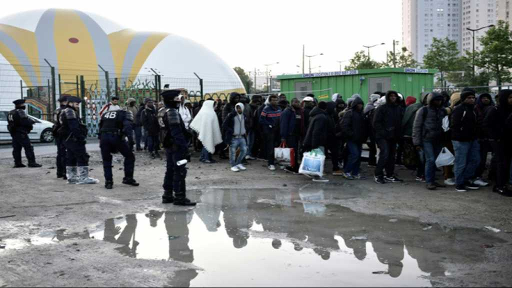 France: nouvelle évacuation de près de 300 migrants à Paris