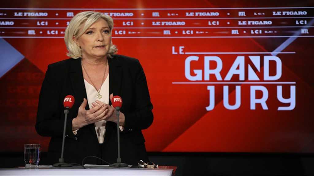«Les migrants, c'est comme les éoliennes»: la théorie de Marine Le Pen