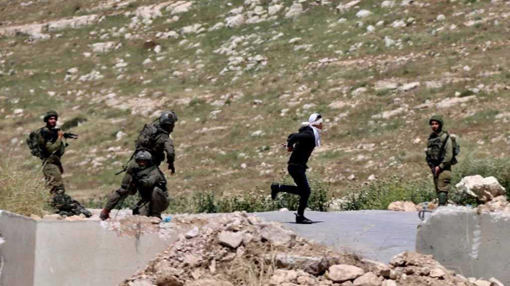 Cisjordanie occupée: des soldats israéliens tirent sur un jeune palestinien fuyant son arrestation