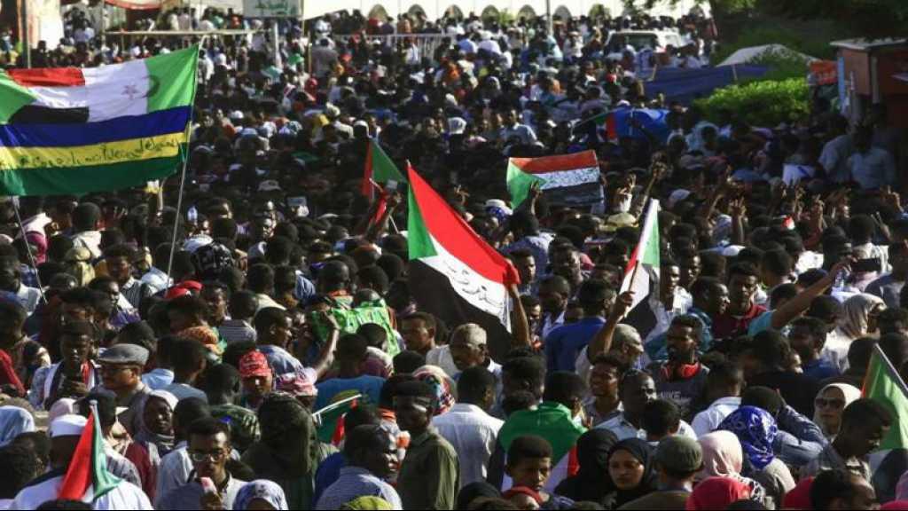 Foule immense à Khartoum après un appel à manifester pour un pouvoir civil