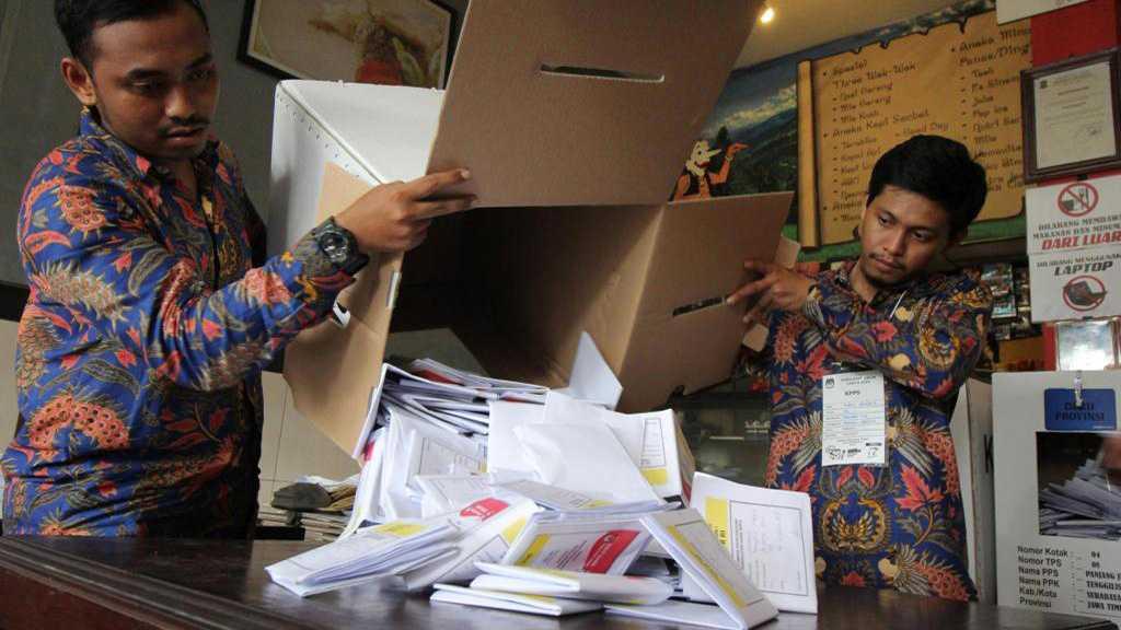 Plus de 270 morts lors du dépouillement des votes en Indonésie