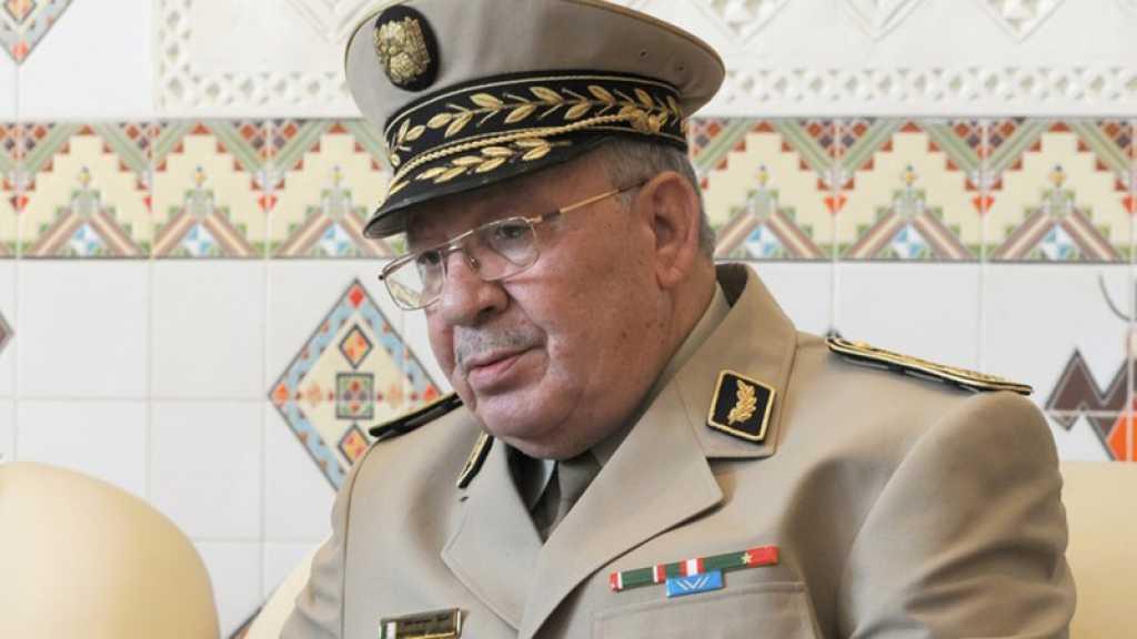 Algérie : le chef de l'armée appelle au dialogue pour sortir de la crise et refuse une transition