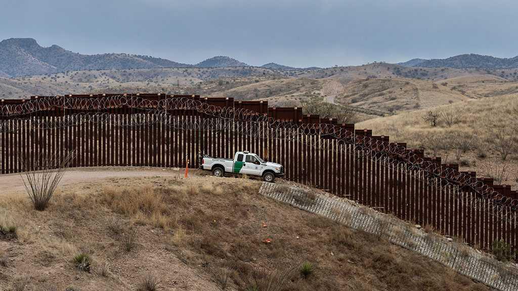 La Cour suprême autorise Trump à utiliser des fonds de l'armée pour le mur