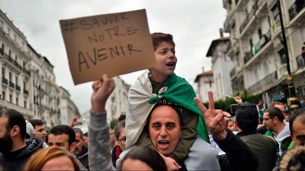 Algérie: l'instance du dialogue se réunit avec «des activistes» de la contestation