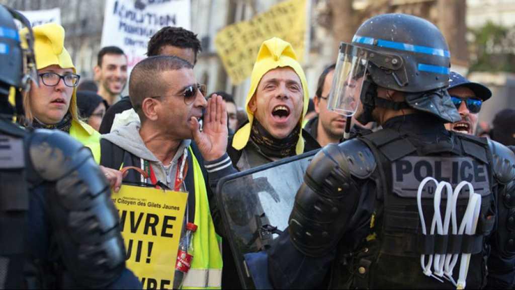 Les «Gilets jaunes» marchent dans Paris pour leur acte 39