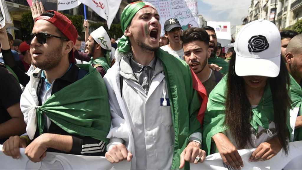 Algérie: les étudiants manifestent contre la tenue d'une présidentielle