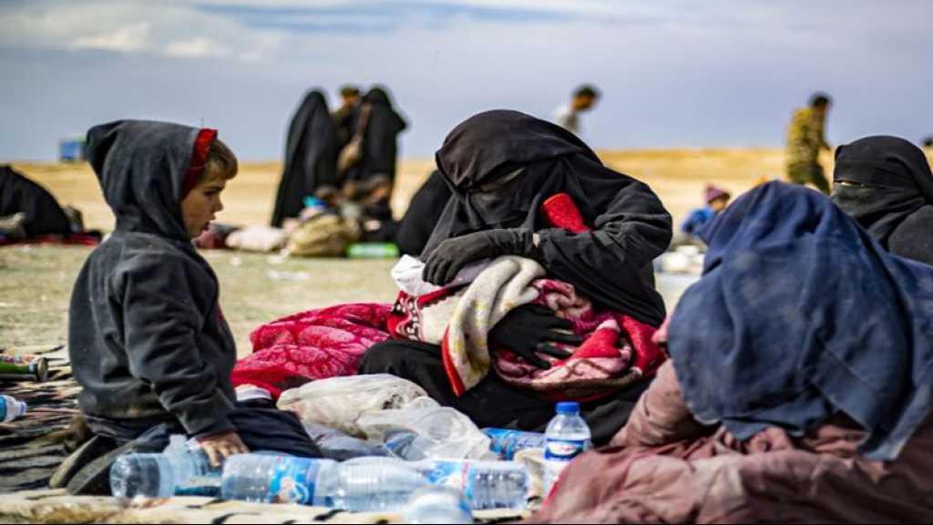 Femmes et enfants de terroristes retenus en Syrie: des familles portent plainte contre Le Drian