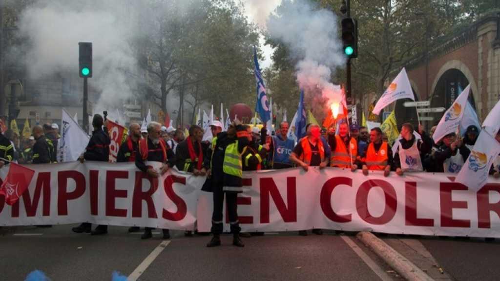 A Paris, les pompiers ont manifesté dans une ambiance tendue