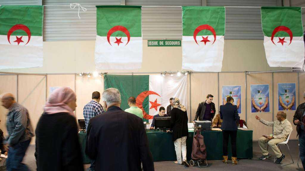 Algérie: 22 candidats enregistrés pour l'élection présidentielle de décembre