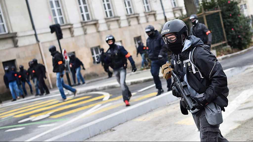 France: Des policiers de la BAC filmés en train de traîner une femme par les cheveux à Montpellier