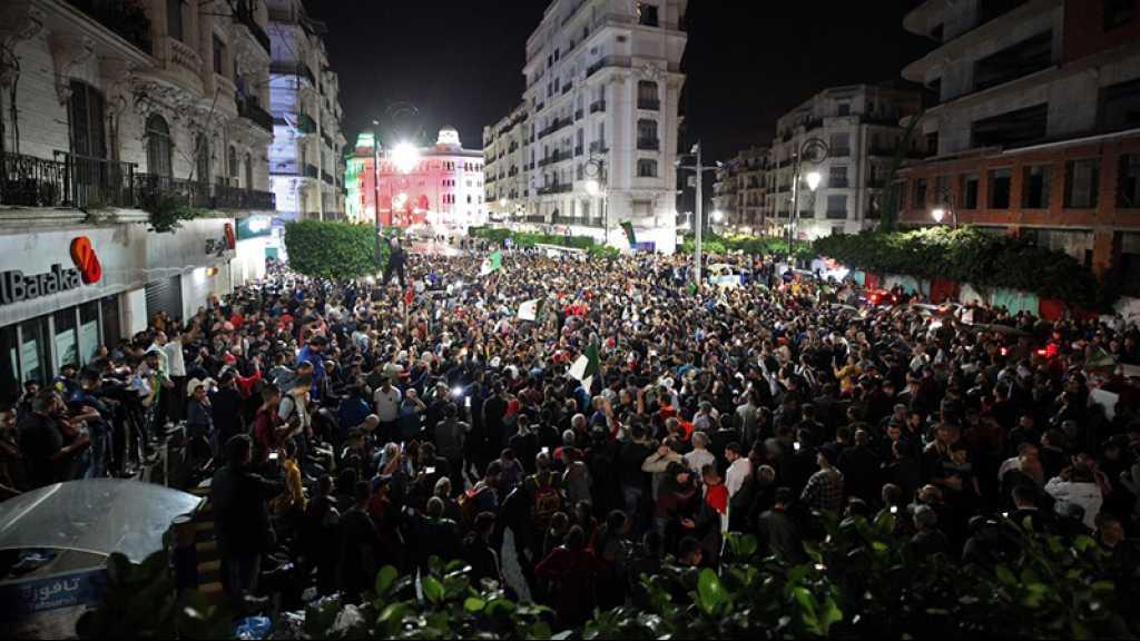 Algérie: manifestation nocturne à Alger contre la présidentielle, des arrestations