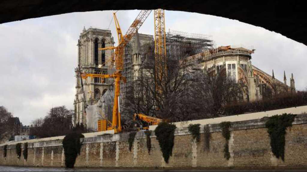 Paris: les fidèles célèbrent leur premier Noël sans Notre-Dame