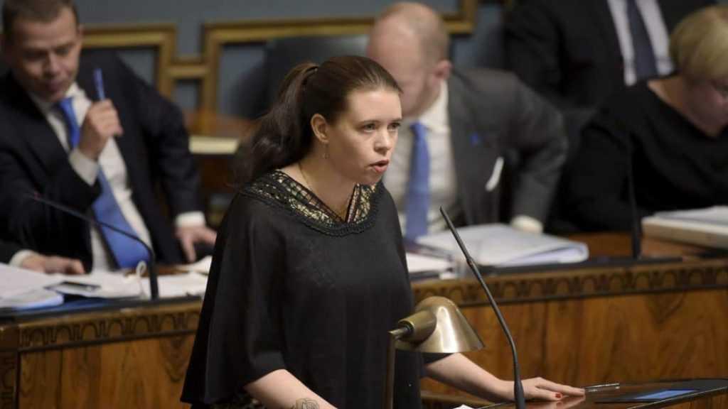 Une députée finlandaise antisioniste arrêtée après avoir tenté de franchir la barrière de sécurité à Gaza