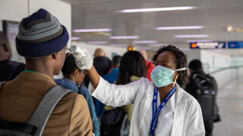 Le patron de l'OMS qualifie le coronavirus d'«ennemi de l'humanité»