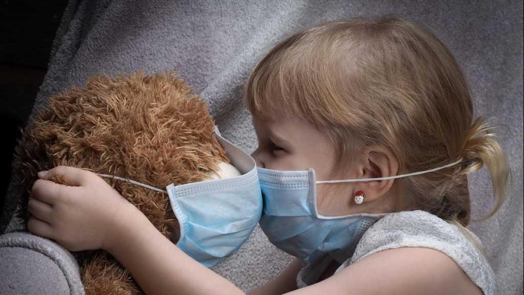 Comment aider les enfants à faire face au stress durant la flambée de coronavirus?