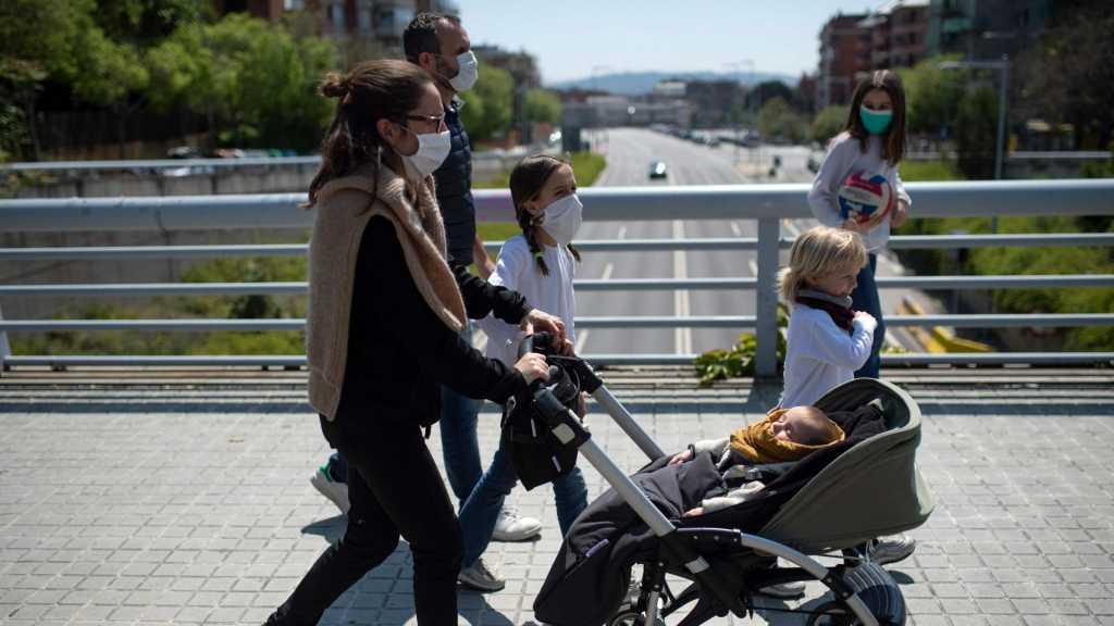 Coronavirus: près de 300.000 morts, déconfinement progressif en Europe