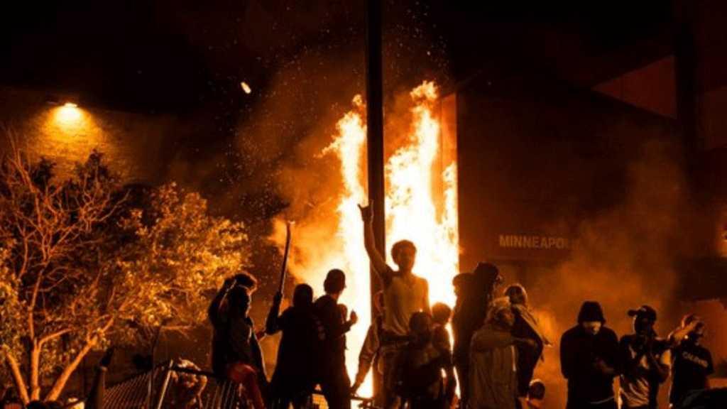 USA: Donald Trump menace de déployer l'armée si les violences continuent