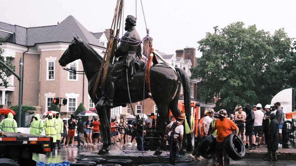 Mouvement antiraciste aux USA: Richmond retire des monuments honorant les confédérés