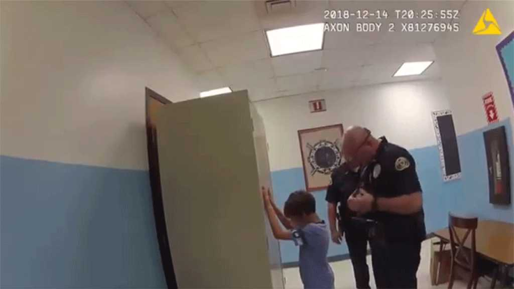 États-Unis : l'avocat de la famille de George Floyd au secours d'un enfant de 8 ans arrêté par la police