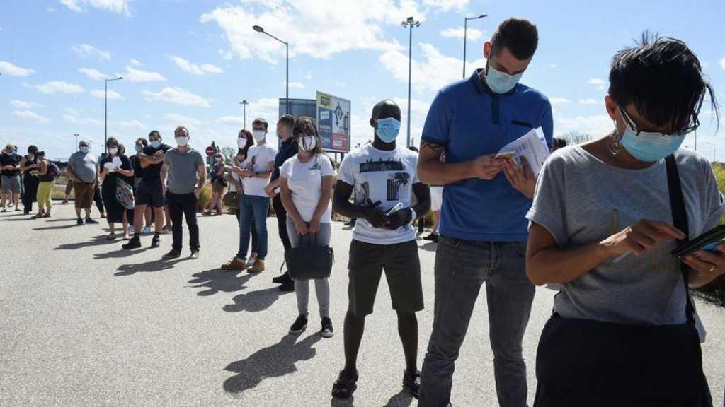 Coronavirus: plus de 820 000 morts dans le monde, déplacements limités et appels au civisme