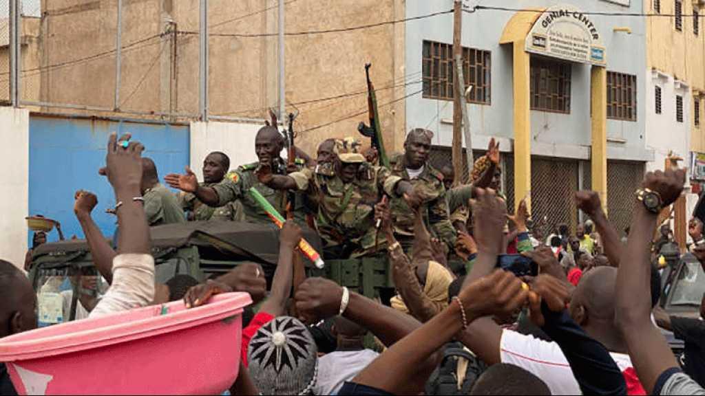 Mali: libération des personnalités civiles et militaires arrêtées lors du coup d'État