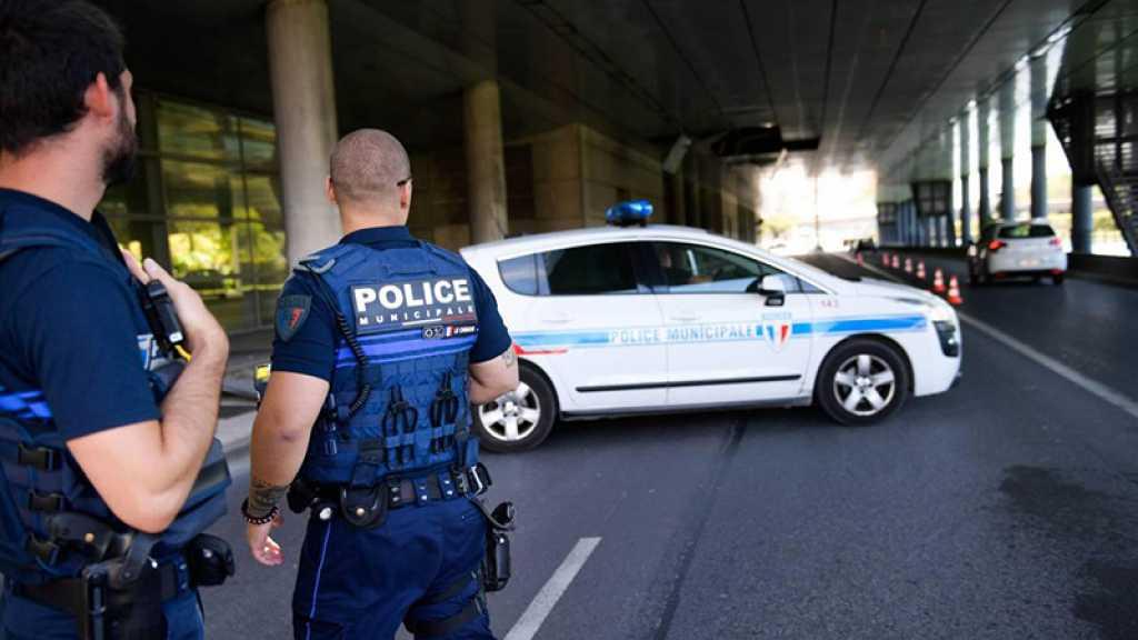 France: deux policiers blessés par balles en région parisienne, leurs armes volées
