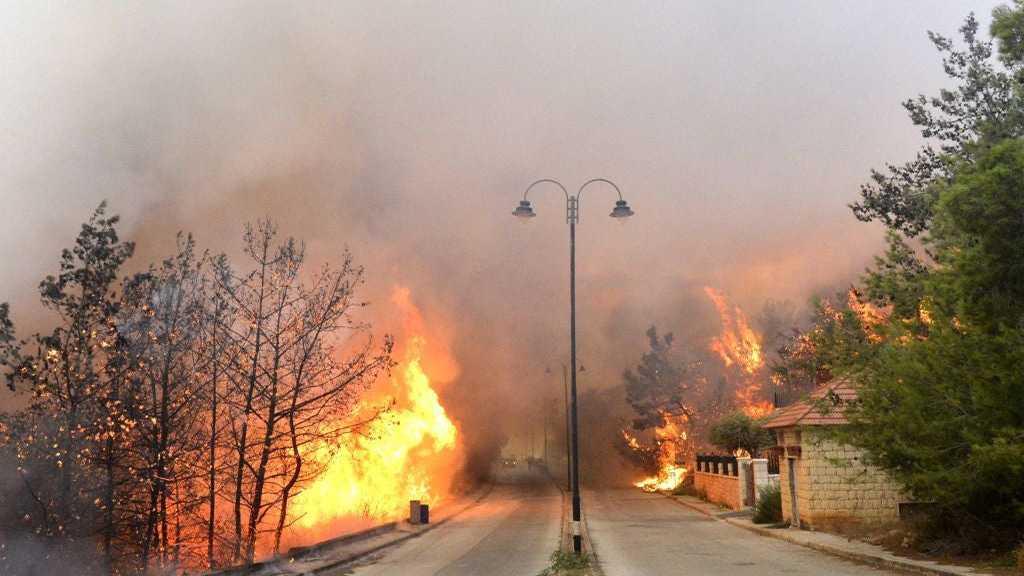 Liban: Plusieurs incendies à travers le territoire, la défense civile appelle à la prudence