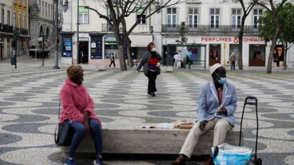 Coronavirus: les restrictions vont crescendo en Europe, deux essais cliniques suspendus