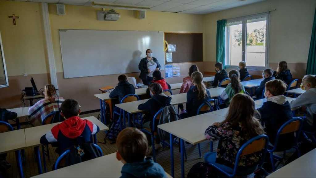 Coronavirus: contaminations des élèves et professeurs «maîtrisées» en France