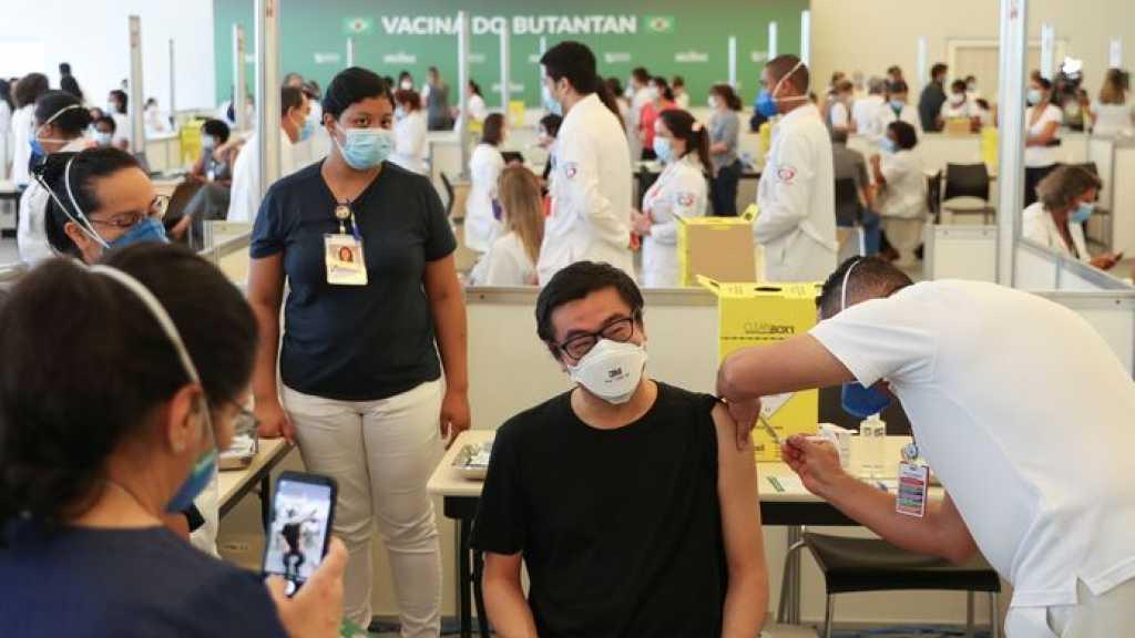 Virus: 40 millions de doses de vaccins administrées, le variant sud-africain 1,5 fois plus contagieux