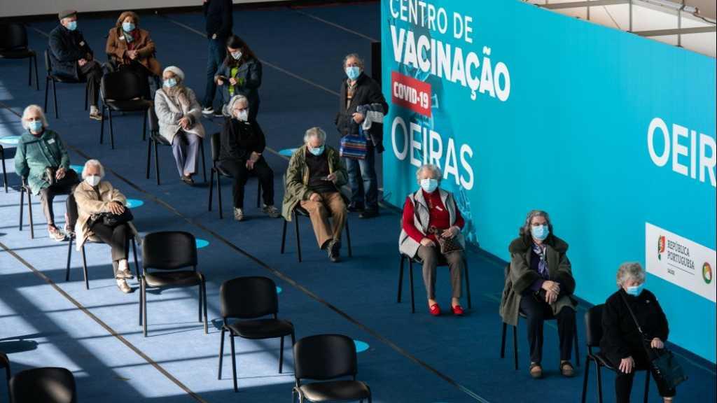 Coronavirus dans le monde: plus de 2,5 millions de morts, l'Europe s'inquiète sur la vaccination