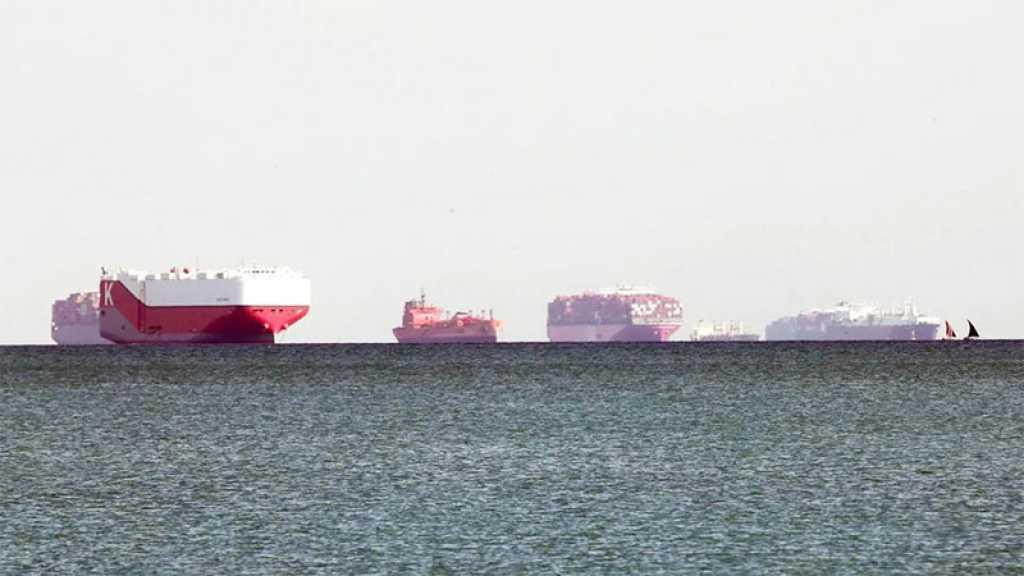 Canal de Suez: plus de 300 navires en attente, trafic maritime stable