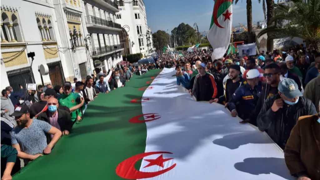 Algérie: les étudiants du Hirak dans la rue, malgré le ramadan