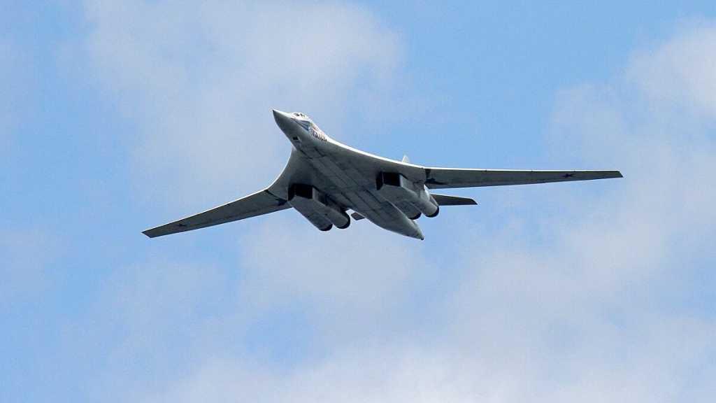 Un chasseur russe escorte un bombardier US au-dessus de la Baltique