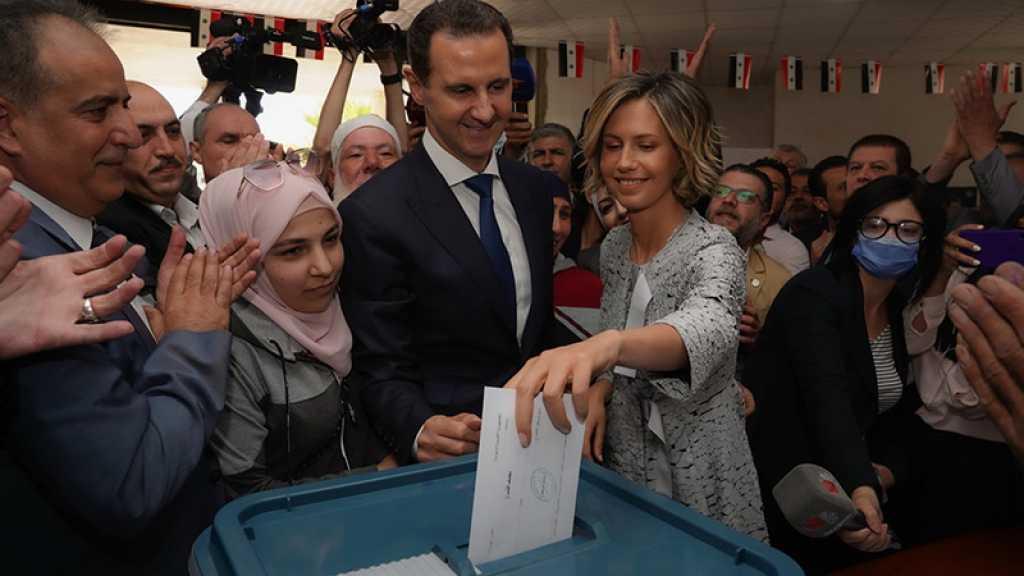 Les Syriens aux urnes, Assad donne sa voix aux élections présidentielles à Douma