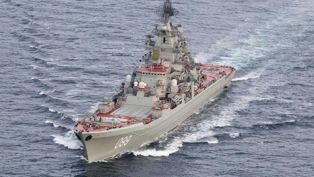 L'armée russe ouvre le feu pour stopper un destroyer britannique qui a violé sa frontière