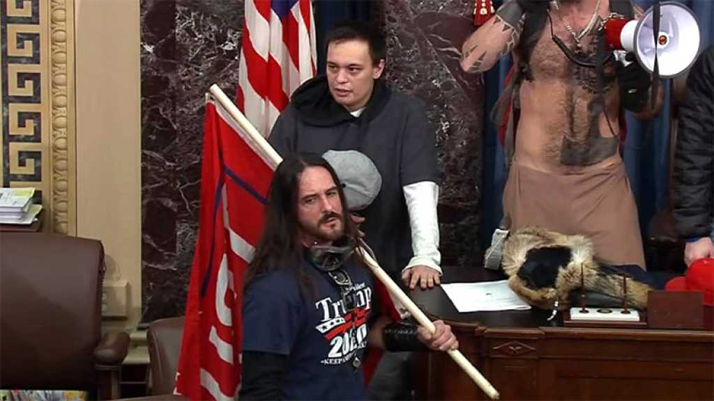 Aux États-Unis, première peine de prison ferme pour un assaillant du Capitole