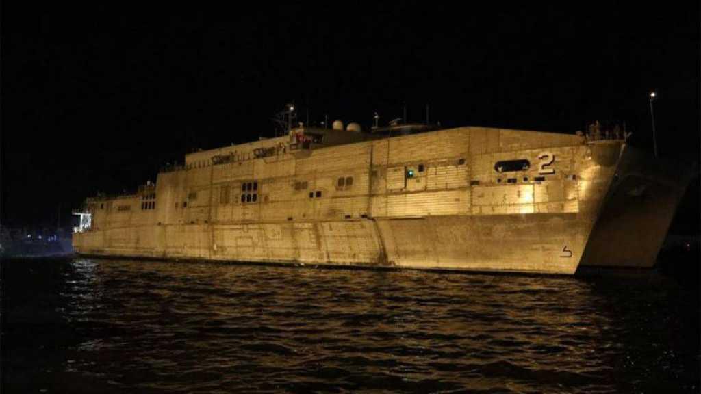 Un navire militaire américain ancré dans le port de la base navale de Beyrouth