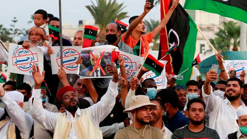 Libye: des milliers de personnes manifestent en soutien au gouvernement