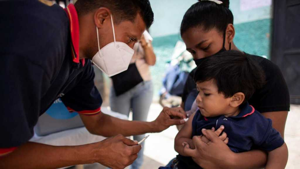 Les vaccins d'enfants, une arme US contre le Venezuela, au su et au vu du monde